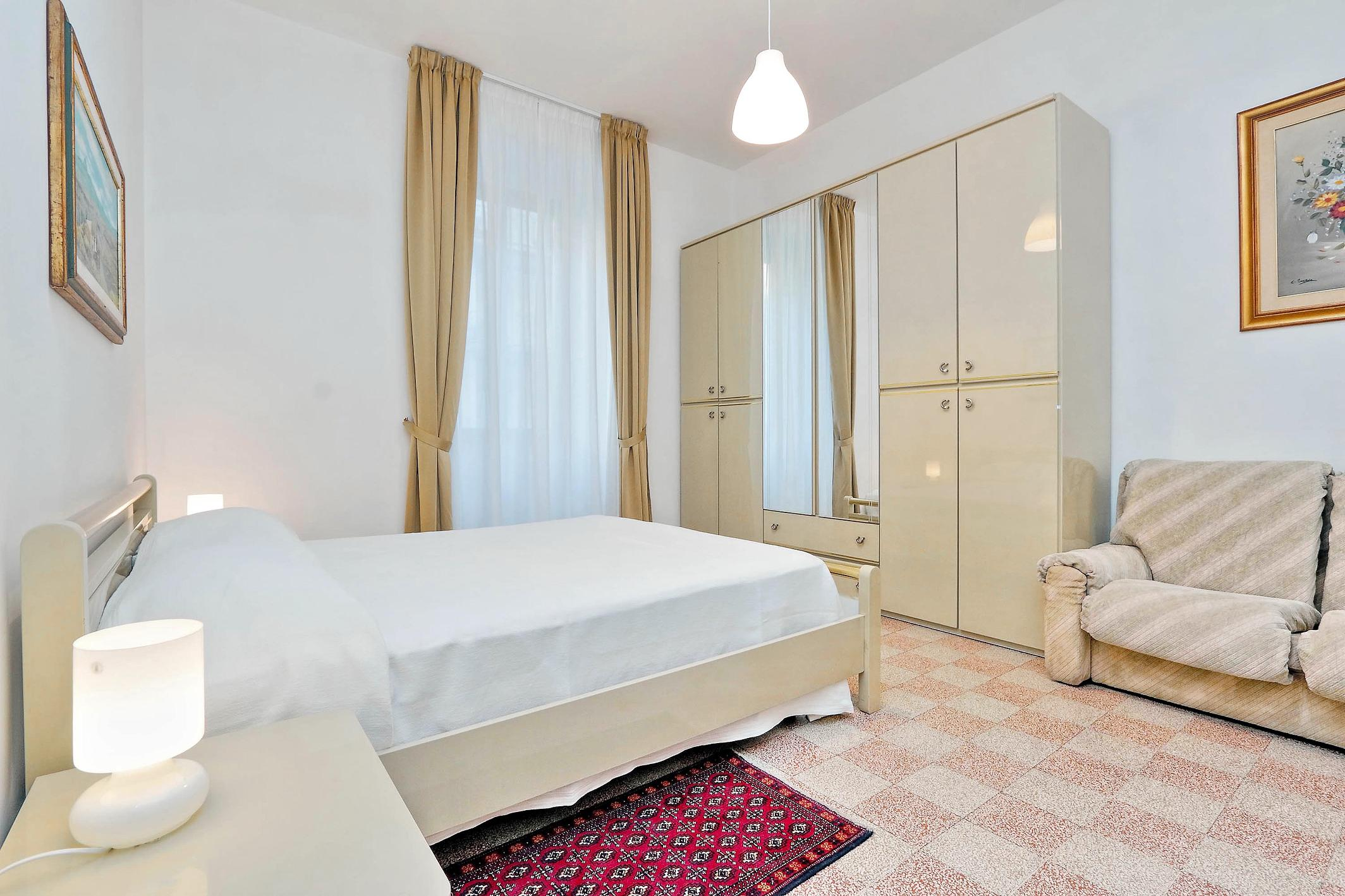 Authentic Family apartment Rome photo 31815516